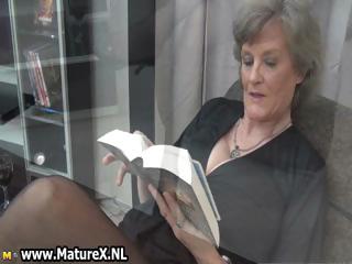 older housewife in hot dark nylons part6