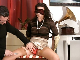 milf in satiny stockings acquires blindfolded