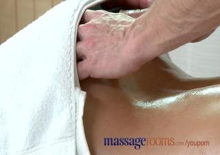 massage rooms milf legend silvia shows masseur