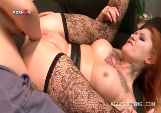 lascivious lesbo having her fuck aperture fisted