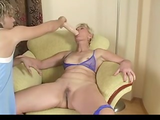 blonde aged testing sex tool and real knob by troc