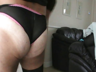 jack off and cum in wifes pants